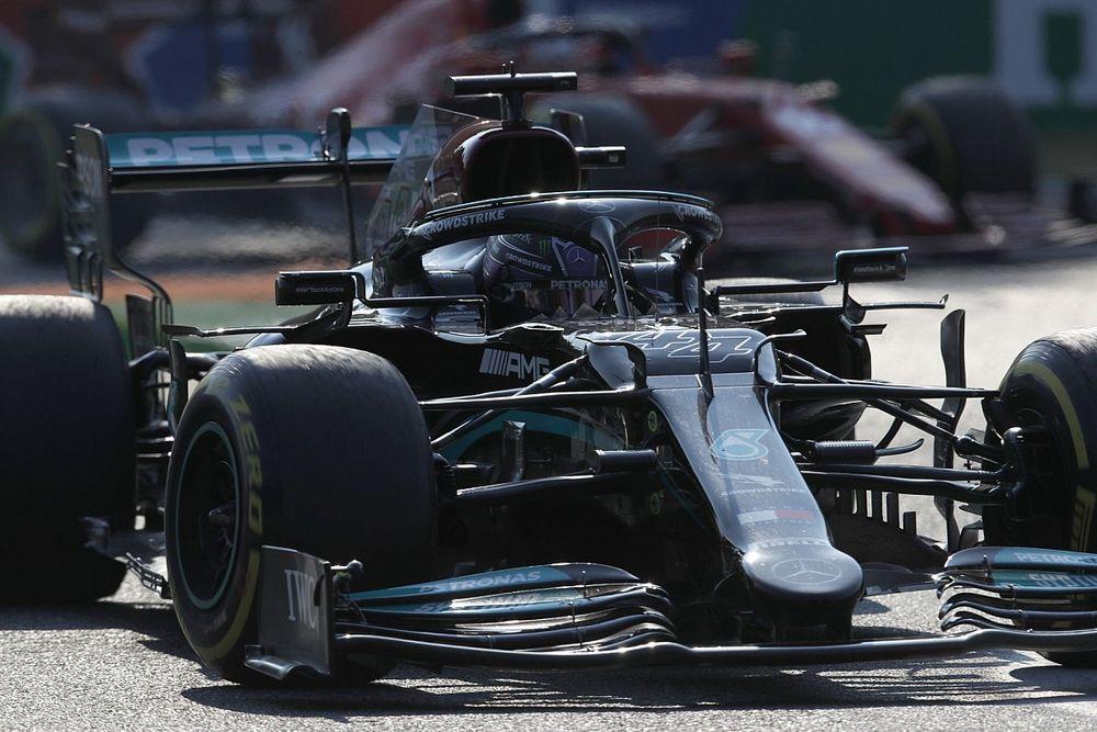 """""""わずか2mm""""のミスで劣勢のハミルトン「序盤でマクラーレン2台を抜かない限り、優勝の可能性は低い」"""
