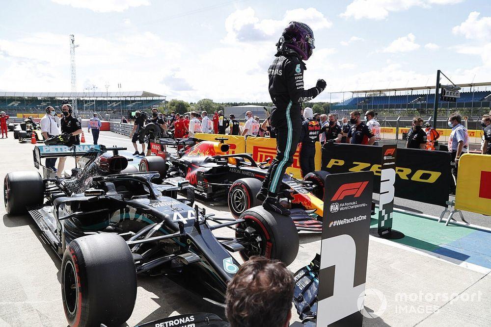 英国大奖赛排位赛:汉密尔顿关键时刻发力,第七次在银石摘下杆位