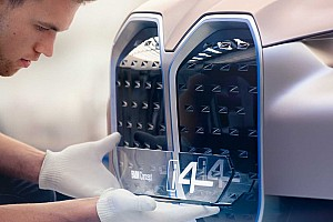 Üzent a BMW főtervezője: Maradnak a hatalmas hűtőrácsok
