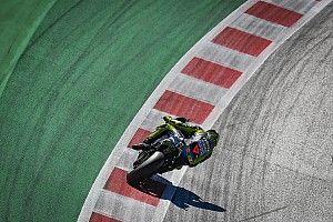 Rossi denkt dat stewards 'op hoger niveau moeten presteren'