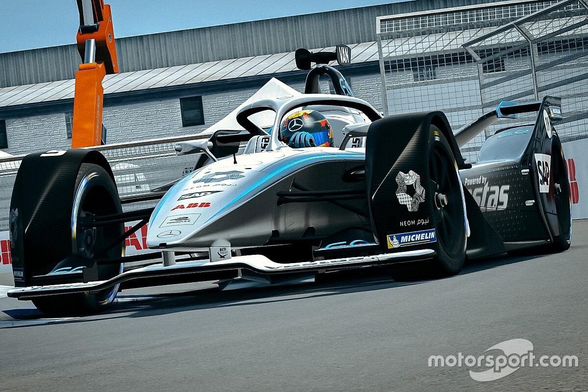Авария на старте финальной гонки сделала Вандорна чемпионом виртуальной Формулы Е