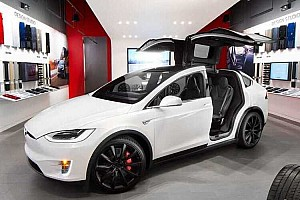 Jelentősen megemeli önvezető rendszerének árát a Tesla