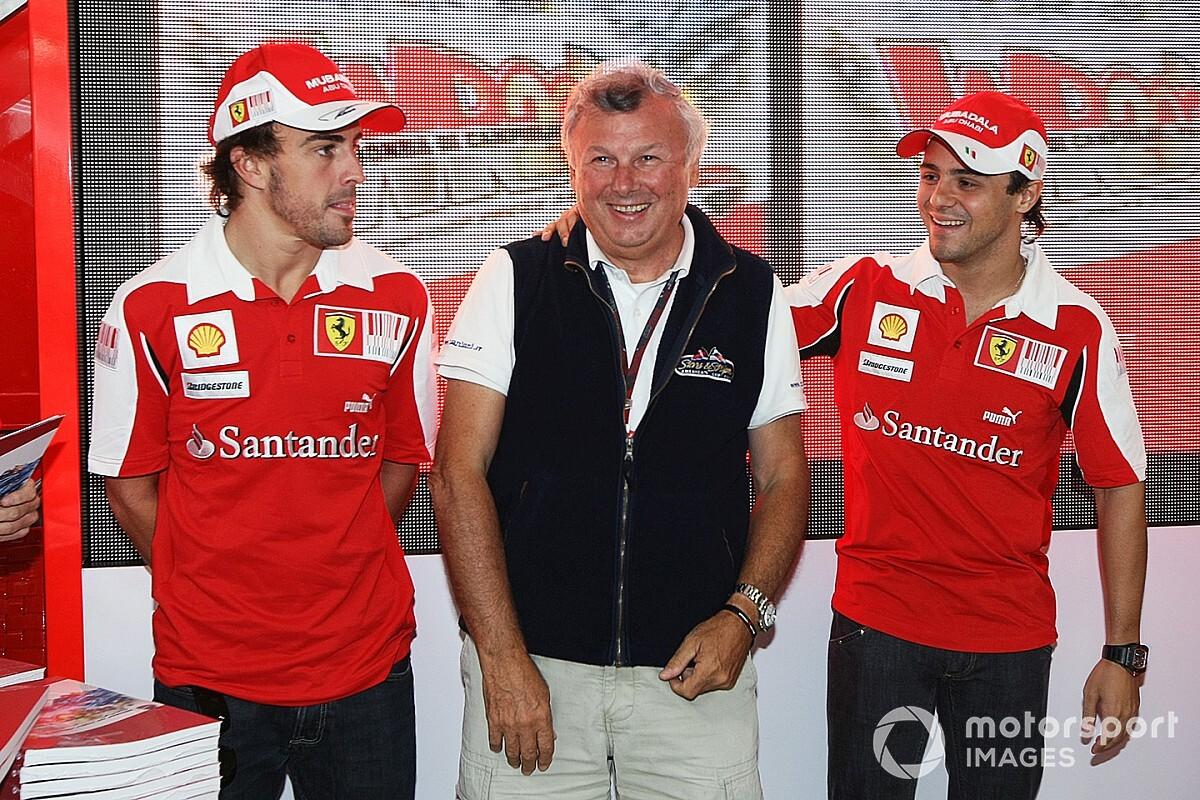 Lovaggá ütik Ferrari legendás F1-es fotósát