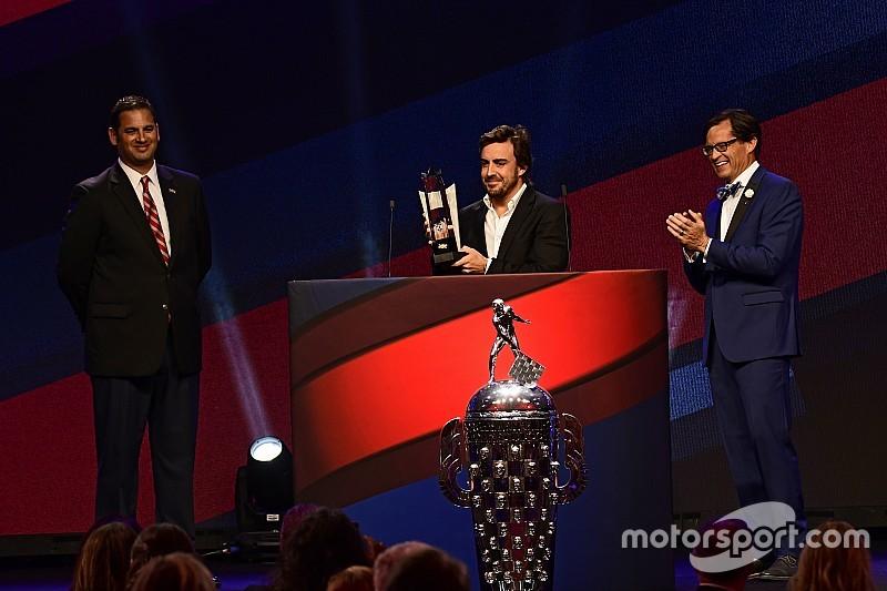 Fernando Alonso remporte le titre de Rookie de l'année de l'Indy 500