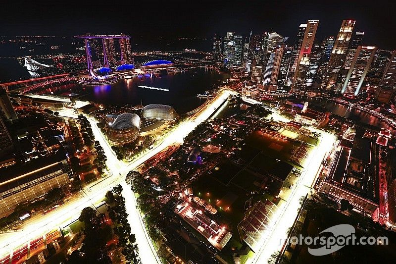 Preview: Ferrari en Red Bull ruiken bloed onder Singaporees kunstlicht