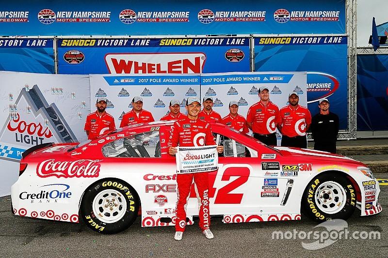 Larson logró en New Hampshire su cuarta pole en la temporada