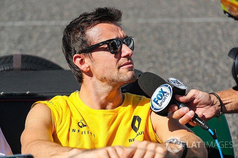 "Palmer admits Renault split timing ""makes sense"""
