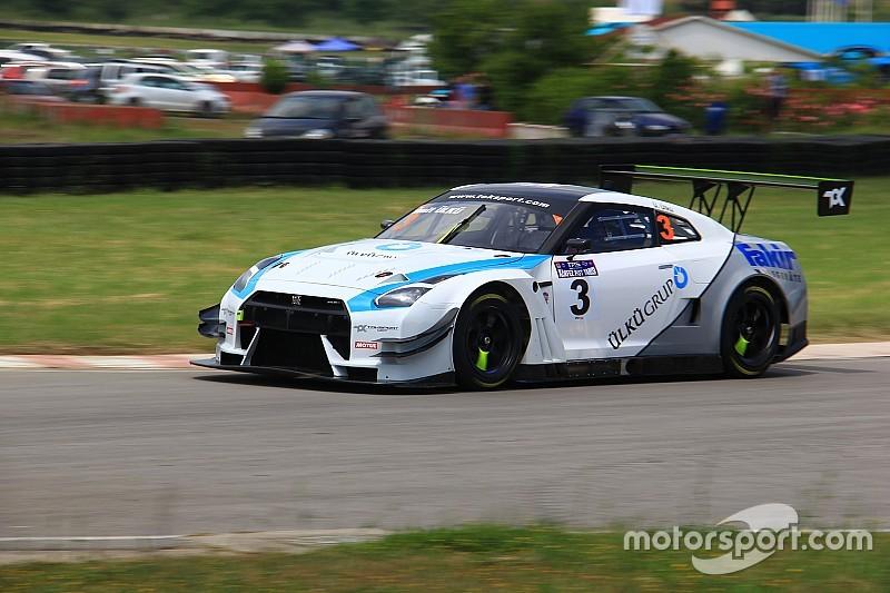 Ümit Ülkü, Nismo GT-R'ı ile sezona galibiyetle başladı