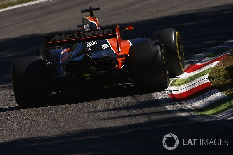 """F1 bosses doing """"everything we can"""" to keep Honda in F1"""
