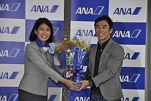 【インディ500】佐藤琢磨凱旋帰国。多くのファンが空港で出迎える