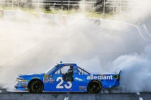 Chase Elliott takes Martinsville Truck win after Bell's misfortune