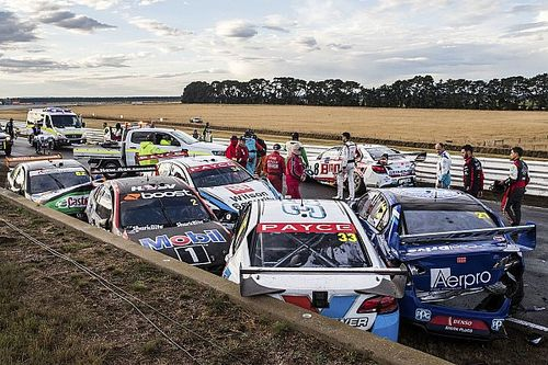 Massive shunt halts Supercars race in Tasmania
