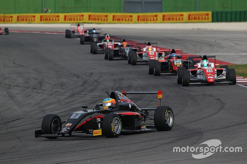 Doppietta Bhaitech in Gara 3. Primo Fernandez, secondo Colombo.