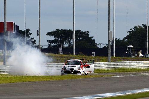 I commissari danneggiano il motore dell'Alfa Romeo, Kajaia parte ultimo