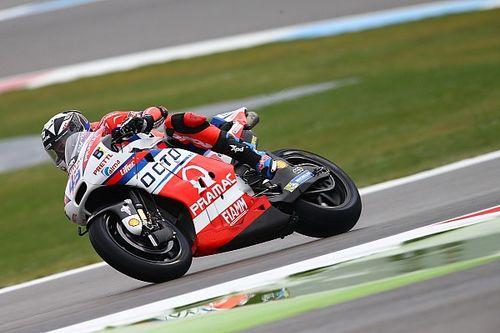 Assen MotoGP: Redding leads Rossi in wet third practice
