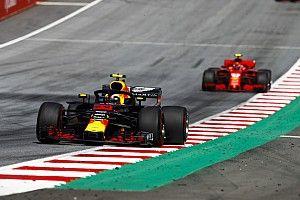 """Villeneuve: """"Waarom kreeg Verstappen dan geen straf in Oostenrijk?"""""""