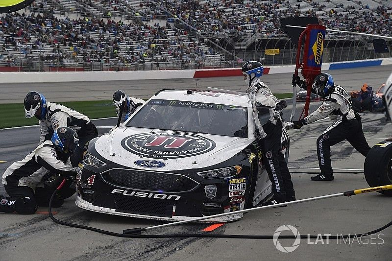 """NASCAR reviewing pit gun failures, wants to """"get it right"""""""