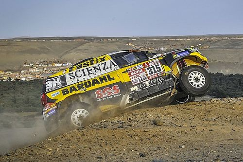 Dakar, fuori anche la seconda Duster. Sousa non è partito per la Tappa 8