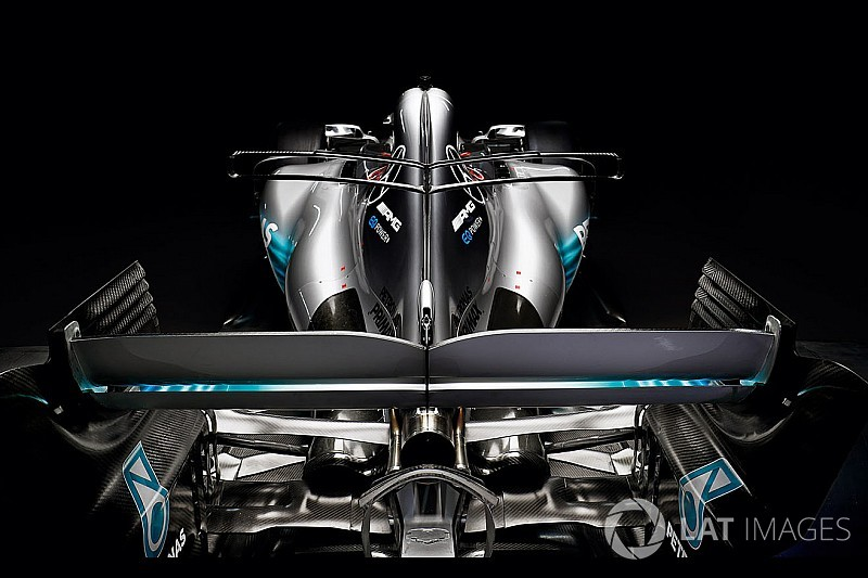 Преимущество нового мотора Mercedes оценили в 50 л.с.