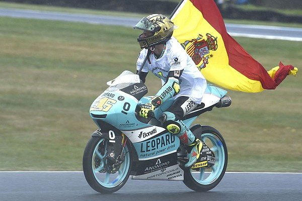 «Самый умный в пелотоне». Звезды MotoGP хвалят чемпиона Moto3