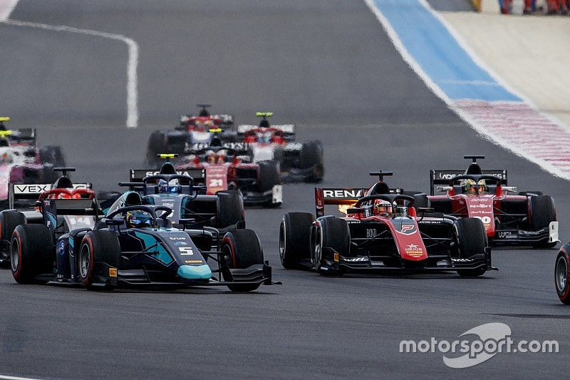 "No use ""pointing fingers"" over car issues, F2 teams say"