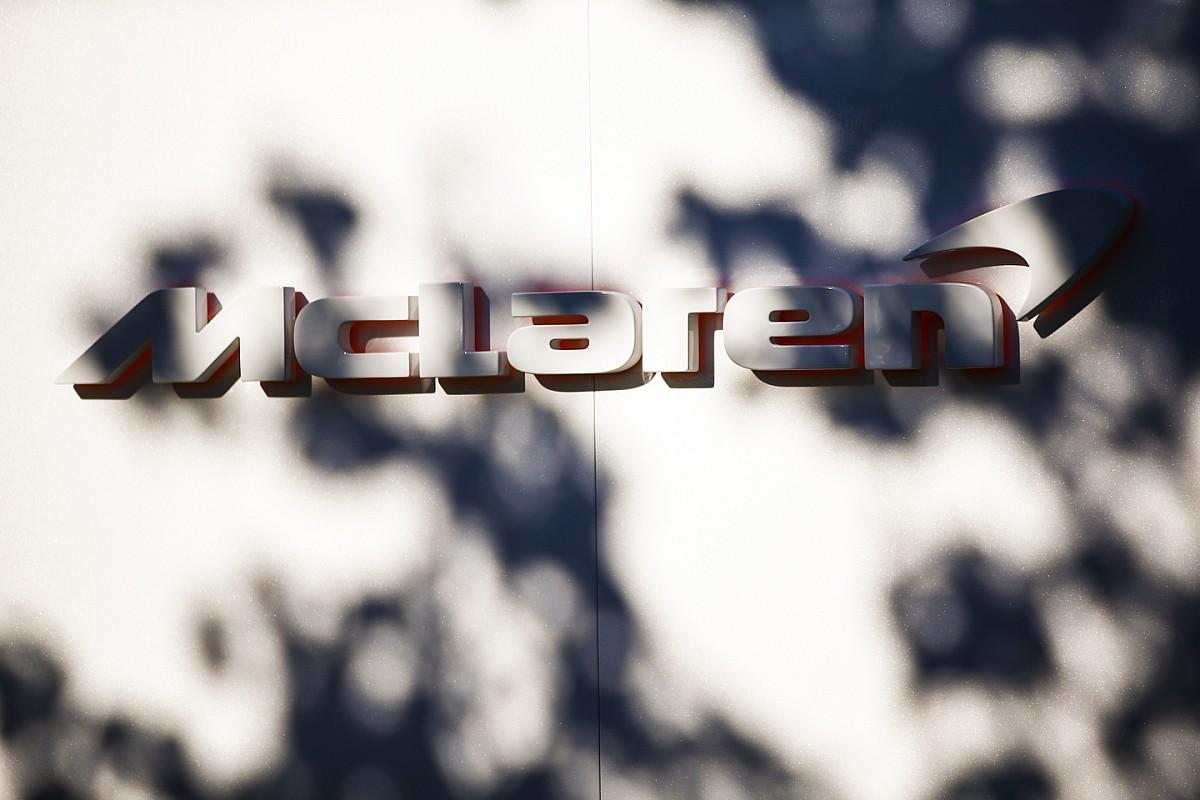 F3-as autóval tesztel Sainz és Norris, a McLaren csak figyel: videó