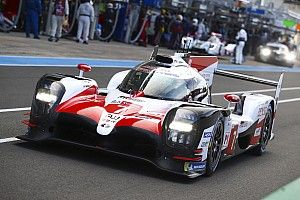 A száguldó Alonso Le Mans-ban: képeken az LMP1-es Toyotával