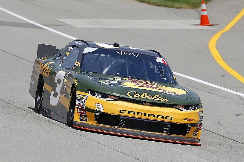 Austin Dillon gana una carrera recortada por la lluvia en Michigan