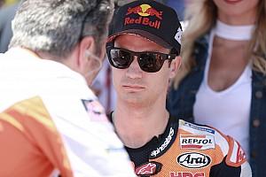 MotoGP 速報ニュース ペドロサ、三つ巴クラッシュの裁定に苦言「もう少し敬意ある対応を」