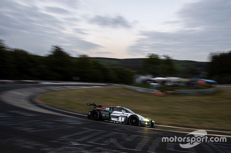 24h Nurburgring: Van der Linde mette l'Audi in vetta nella Q1