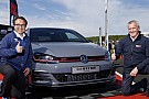 Automotivo VW mostra o Golf GTI TCR Concept ao público, a versão mais rápida já feita
