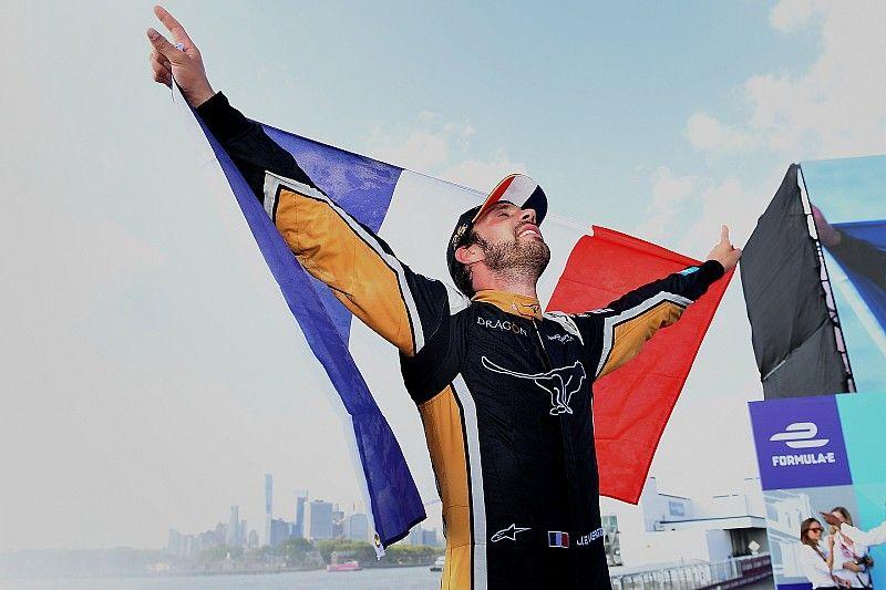 Vergne, şampiyonluğu Bianchi'ye adadı