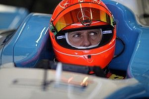 Jornal: fotos de Schumacher dentro de casa são vendidas por R$ 5,5 milhões