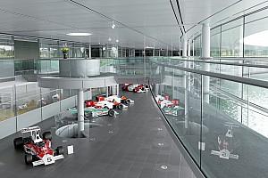 В McLaren поиронизировали над годами без подиумов