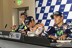 Rossi dan Lorenzo berdebat di konferensi pers