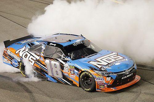 Moins de pilotes de Sprint Cup en Xfinity et en Trucks