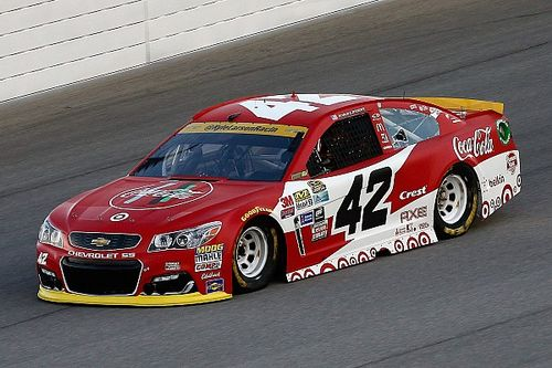 Larson tops final practice at Chicagoland