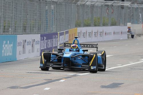 Hong Kong ePrix: Buemi wins chaotic race, di Grassi second from 19th
