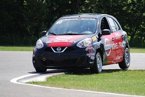 King and Bédard share victories in the Nissan Micra Cup