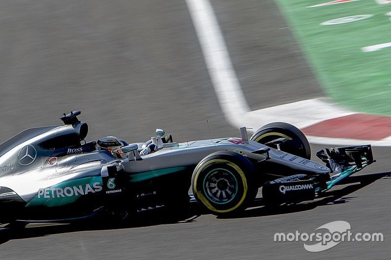 Hamilton con la pole position para México