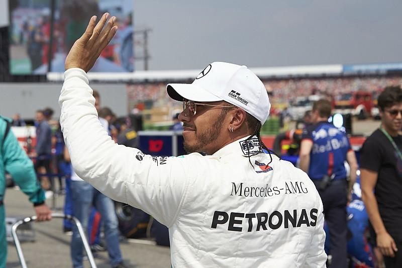 Hamilton, Sky F1 yorumcularına kızmış