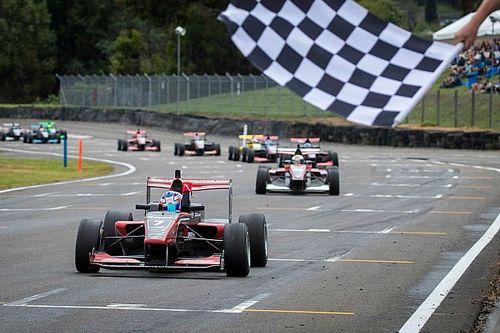 """Verschoor blikt terug op Toyota Racing Series: """"Ik ben een stuk completer geworden"""""""
