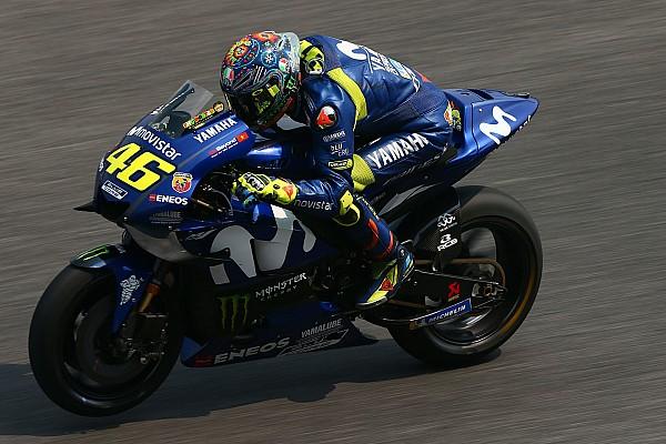 MotoGP Motorsport.com hírek Rossi a csodában reménykedik, ugyanis a megoldáshoz hónapok kellenének