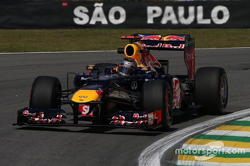 Red Bull V8, Buemi y un aeródromo… ¡sube el volumen!