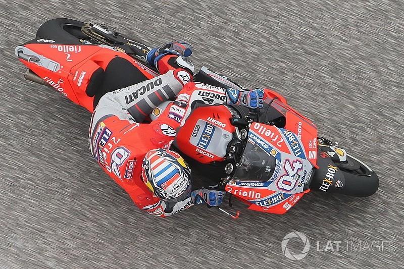 MotoGPスペインFP1:ドヴィツィオーゾ、マルケスを0.007秒退け首位