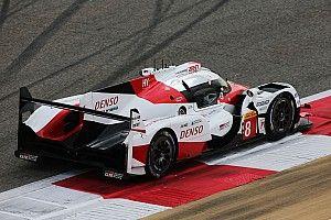 Videón, ahogy Alonso a Toyota LMP1-es versenygépével tesztel