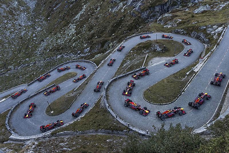 Diaporama: Sébastien Buemi conduit une la RB8 sur Col du Saint-Gothard