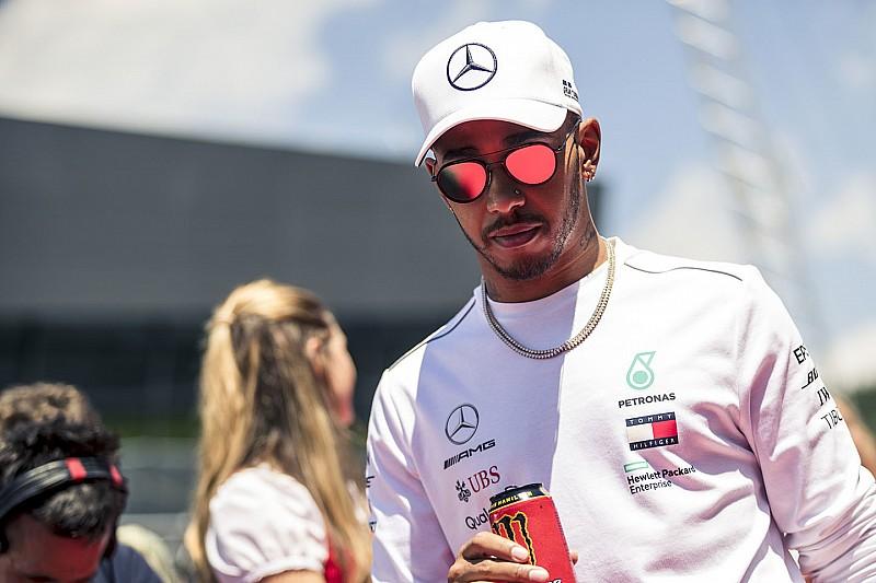 Hamilton: Szívesen mondanék valamit, de inkább nem teszem – a brit teljes rádióbeszélgetése Ausztriából