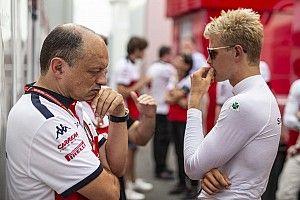 В Sauber открылась вакансия тест-пилота – заменять Эрикссона, когда он будет в IndyCar