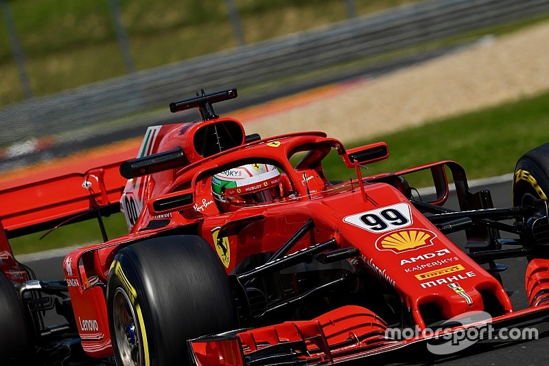 """Giovinazzi estime que la Ferrari s'est """"considérablement améliorée"""""""